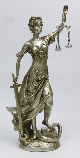 (La Dama de la justicia.)