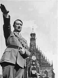 (Hitler era un tirano)